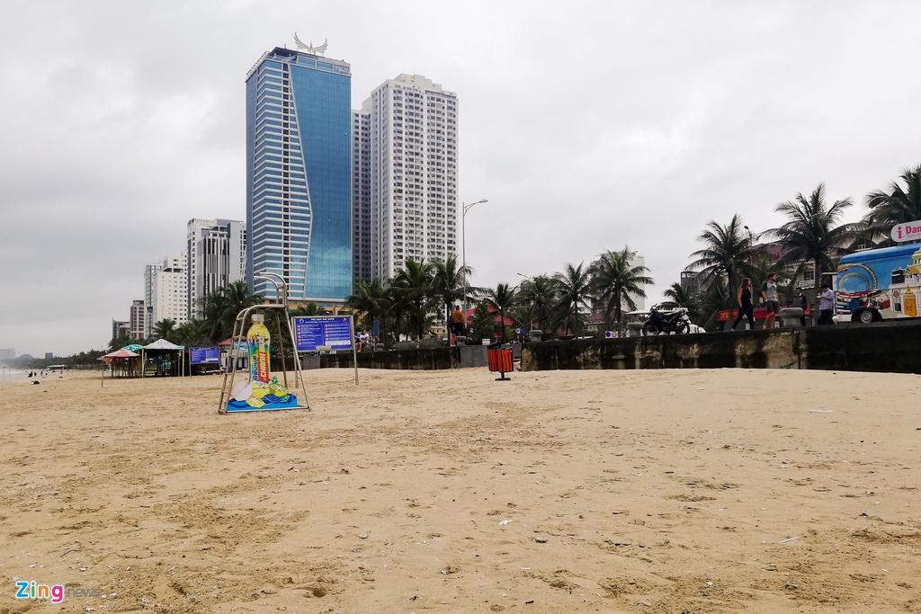 Đà Nẵng sạch sẽ sau 2 ngày huy động cả thành phố dọn rác do mưa lũ