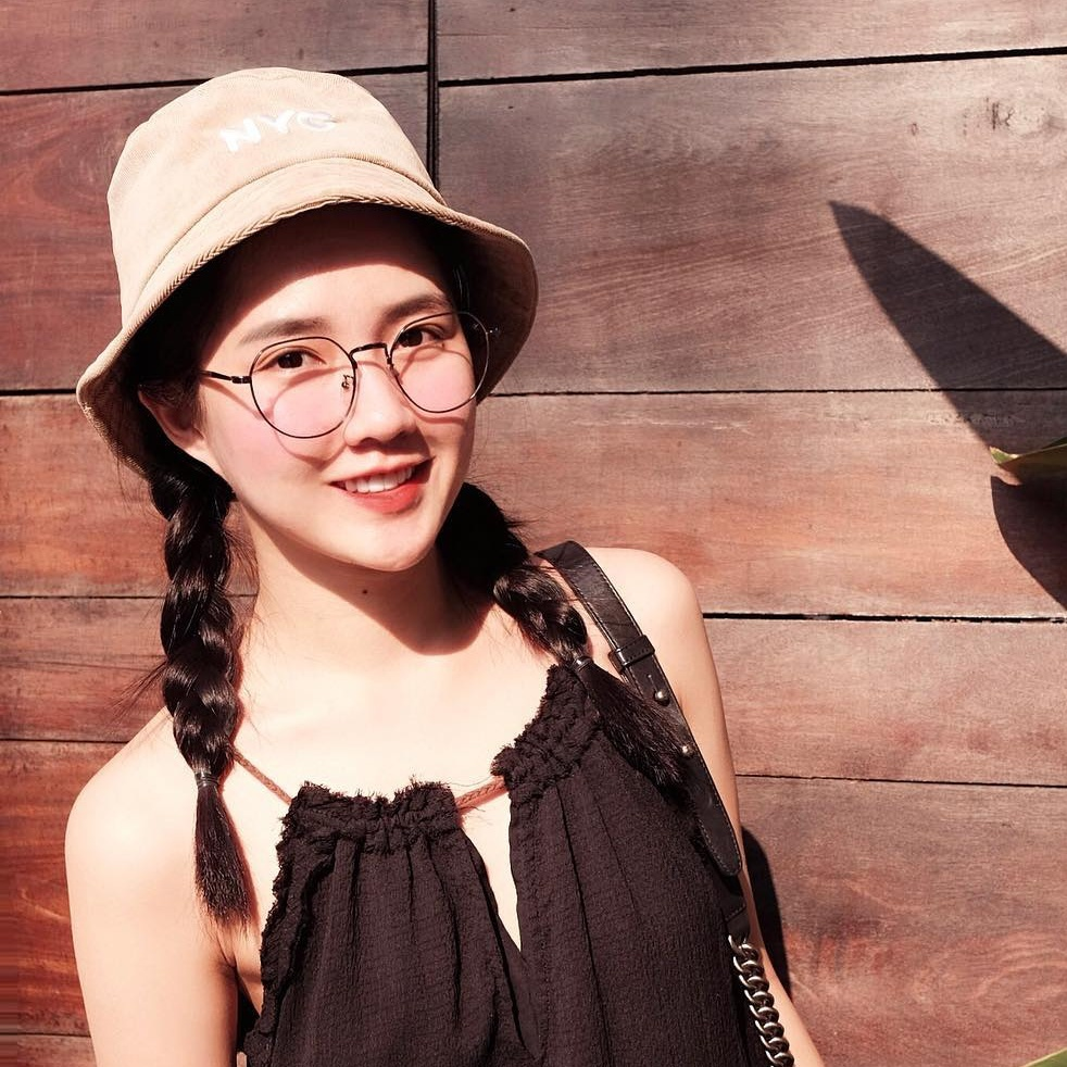 Nhung chiec cam V-line dang ghen ty cua hot girl Viet hinh anh 8