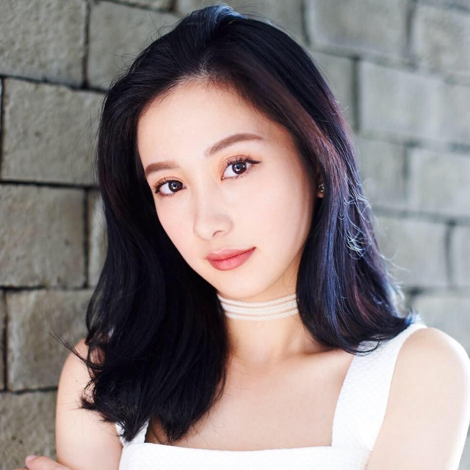 Hot girl tuoi Hoi: Nguoi hanh phuc ben chong, ke theo nghiep dien xuat hinh anh 17