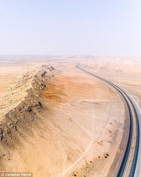 Ve trang le cua Dubai khi nhin tu tren khong hinh anh 17