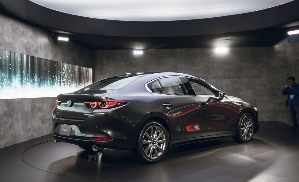Chi tiet Mazda3 2019 - thiet ke toi gian va cao cap hinh anh 9