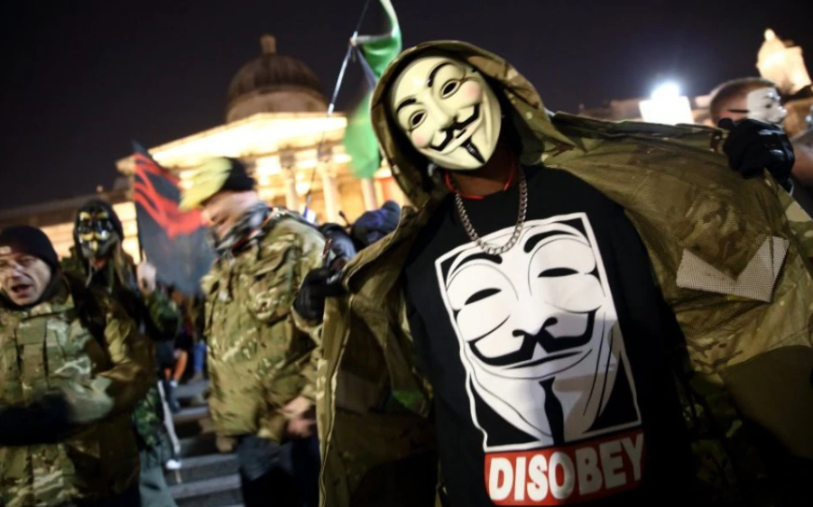 Anonymous dang tro lai anh 4