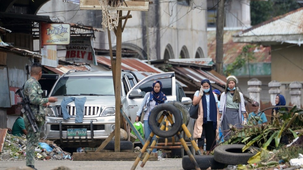 Nguoi Philippines than trong tro ve Marawi giua tieng sung hinh anh 1