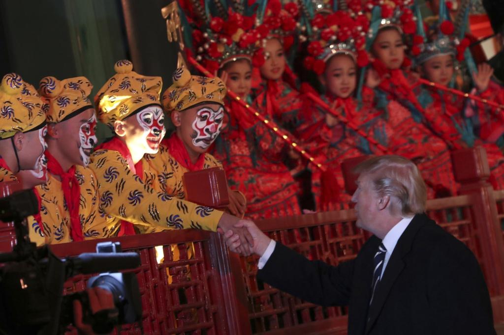 Chuyen cong du lich su cua TT Trump qua 5 nuoc chau A hinh anh 8