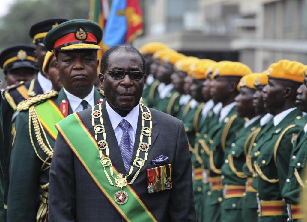 Zimbabwe thoi Mugabe: Lam phat 500 ty % va vet seo nhuc nhoi hinh anh 3