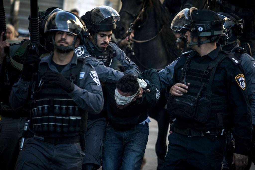 Mat vu Israel manh tay tran ap, bat giu 200 nguoi Palestine hinh anh 11