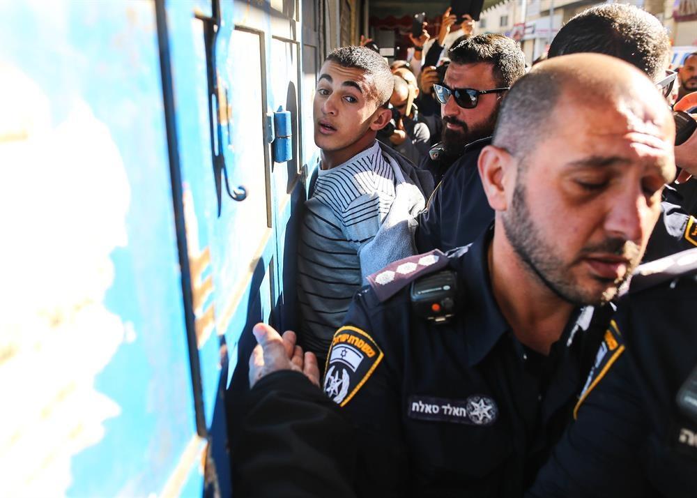 Mat vu Israel manh tay tran ap, bat giu 200 nguoi Palestine hinh anh 2