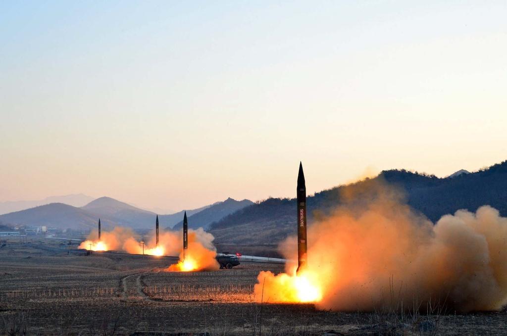 Washington Post: Trump - Kim gap o VN co giup the gioi an toan hon hinh anh 3