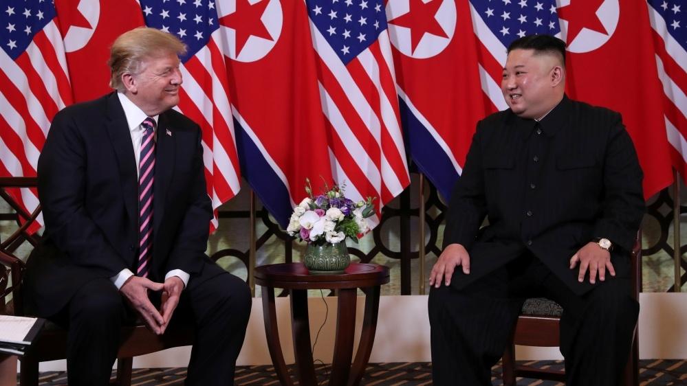 Ba cuoc gap trong ngay dau ban ron cua TT Trump o Ha Noi hinh anh 2