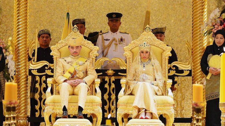 Cuoc song xa hoa dat vang cua quoc vuong Brunei thu nhap 100 USD/giay hinh anh 2