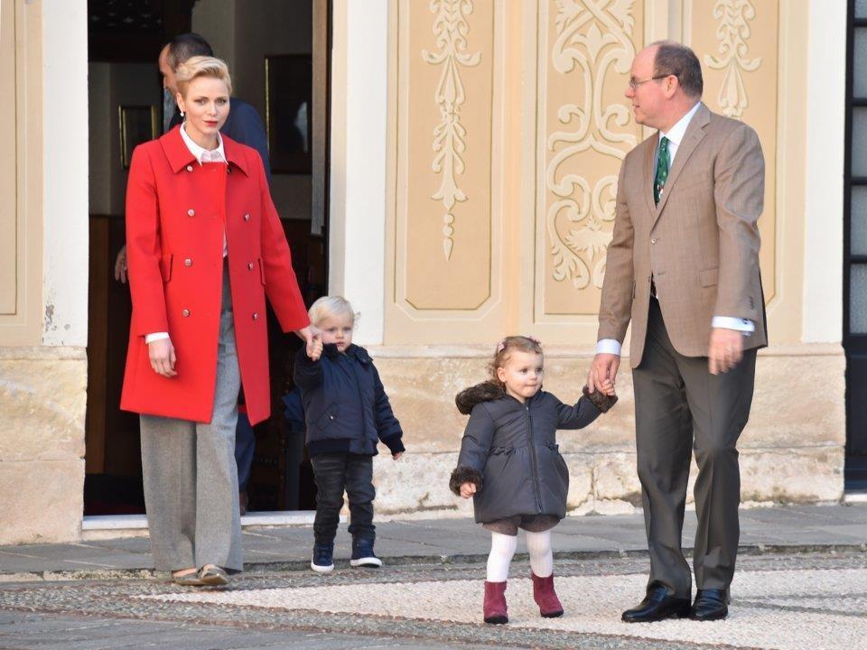 Quốc vương Brunei và những tỷ phú hoàng gia giàu nhất thế giới