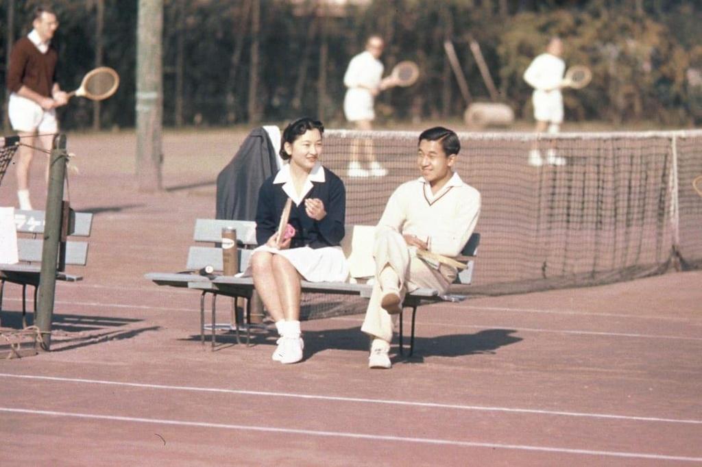 Chuyen tinh the ky cua Nhat hoang Akihito va Hoang hau Michiko hinh anh 1