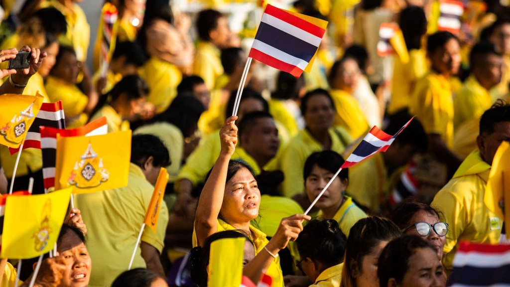 Tan vuong Thai Lan tren kieu 16 nguoi khieng trong le ruoc 7 tieng hinh anh 6