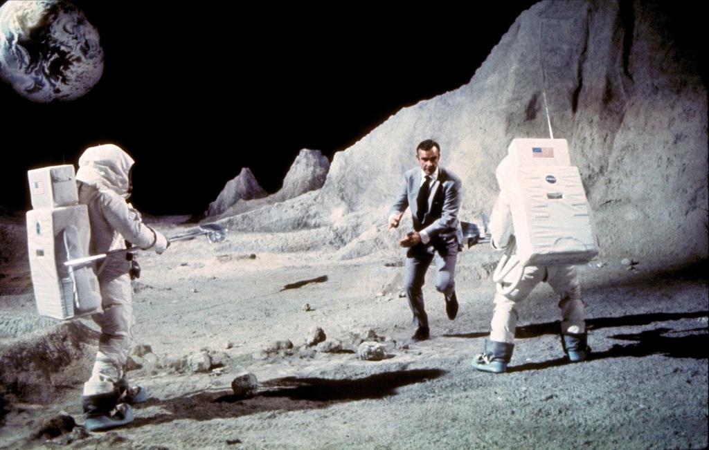 Thuyet am muu ve cuoc do bo gia mao cua NASA len Mat Trang hinh anh 3
