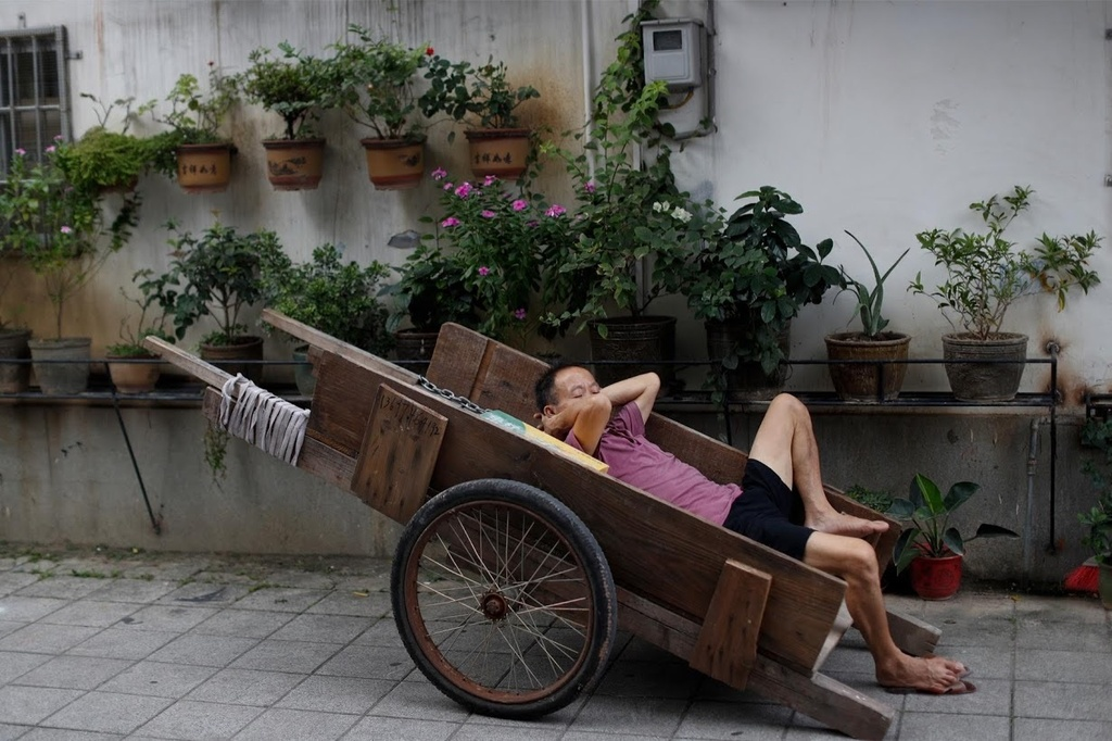 Tiem massage truyen thong, lang do thi trong long Quang Chau hinh anh 4