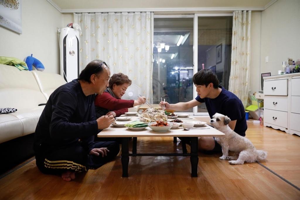 'Thia ban' - nhung nguoi Han Quoc khong con tin vao co hoi doi doi hinh anh 3 han_4.jpg