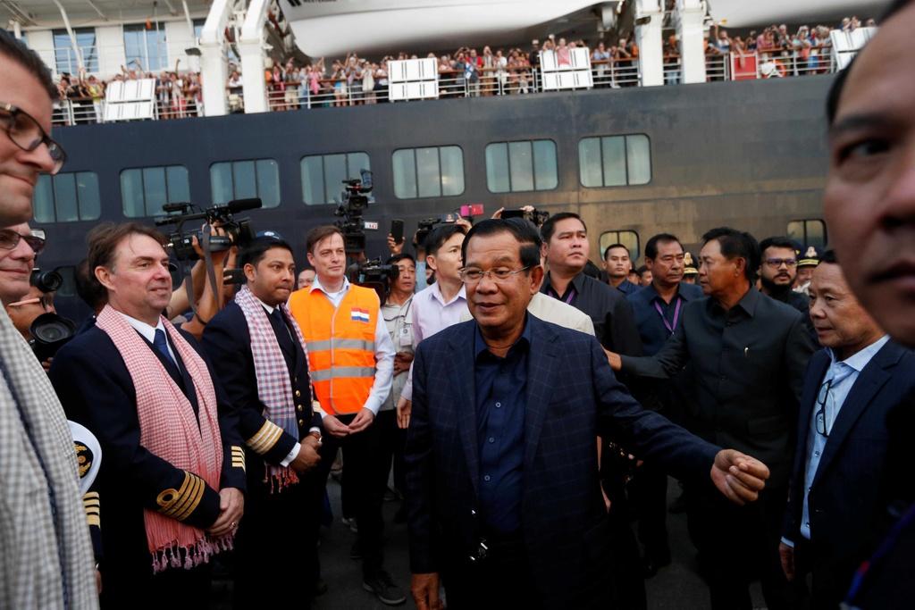 Du thuyen bi 5 noi 'hat hui' cap cang Campuchia trong su chao don hinh anh 6 du_thuyen_6_1_.jpg