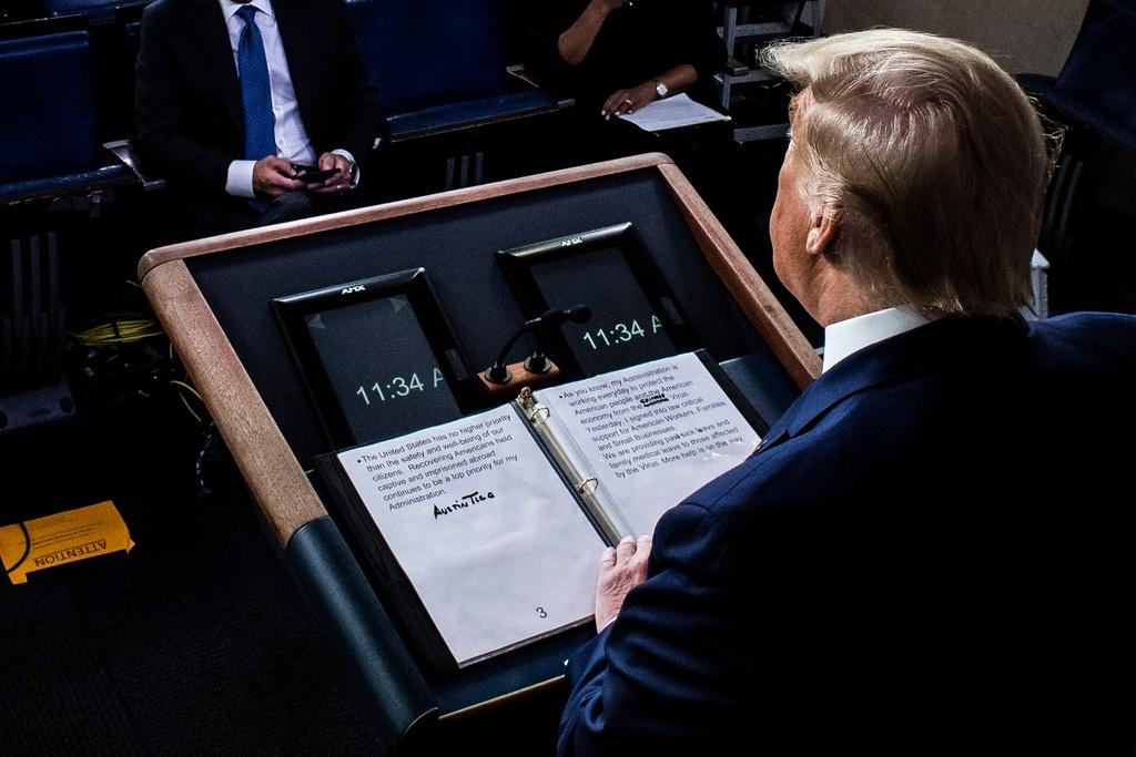 Gach de chu corona, sua thanh 'virus TQ' - lat cat phan anh TT Trump hinh anh 1 trump_1.jpg