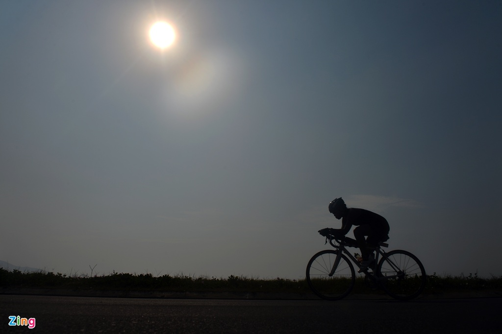 Khoanh khac an tuong Ironman 70.3 2016 tai Da Nang hinh anh 8