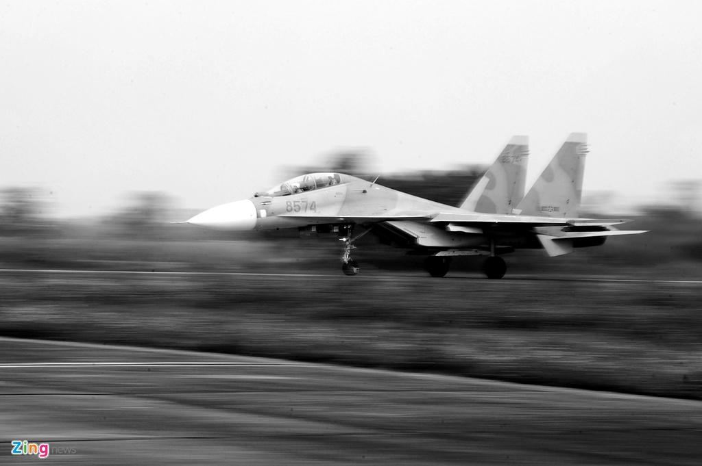 Khoanh khac lich su cua trung doan huan luyen Su-30MK2 hinh anh 21