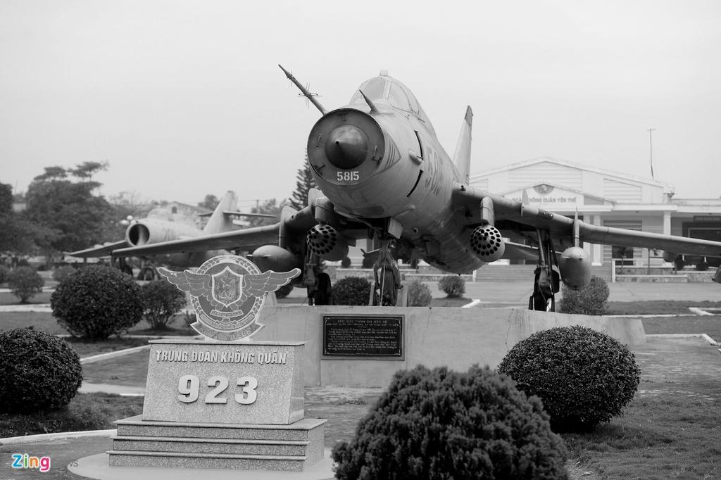 Khoanh khac lich su cua trung doan huan luyen Su-30MK2 hinh anh 1