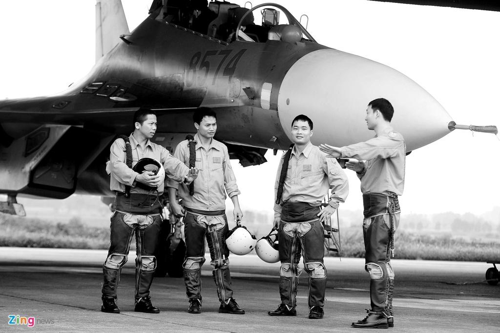 Khoanh khac lich su cua trung doan huan luyen Su-30MK2 hinh anh 20