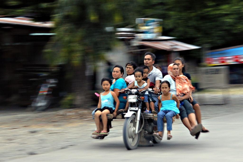 Nhung phuong tien van chuyen doc dao o Philippines, Myanmar hinh anh 11