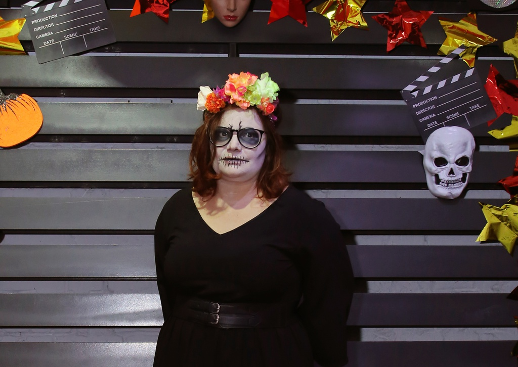 Sinh vien Ha Noi hoa than thanh ma quy choi Halloween hinh anh 5