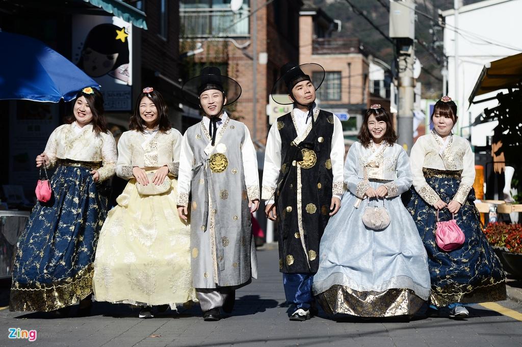 mac thu hanbok tai Seoul,  Han Quoc anh 1