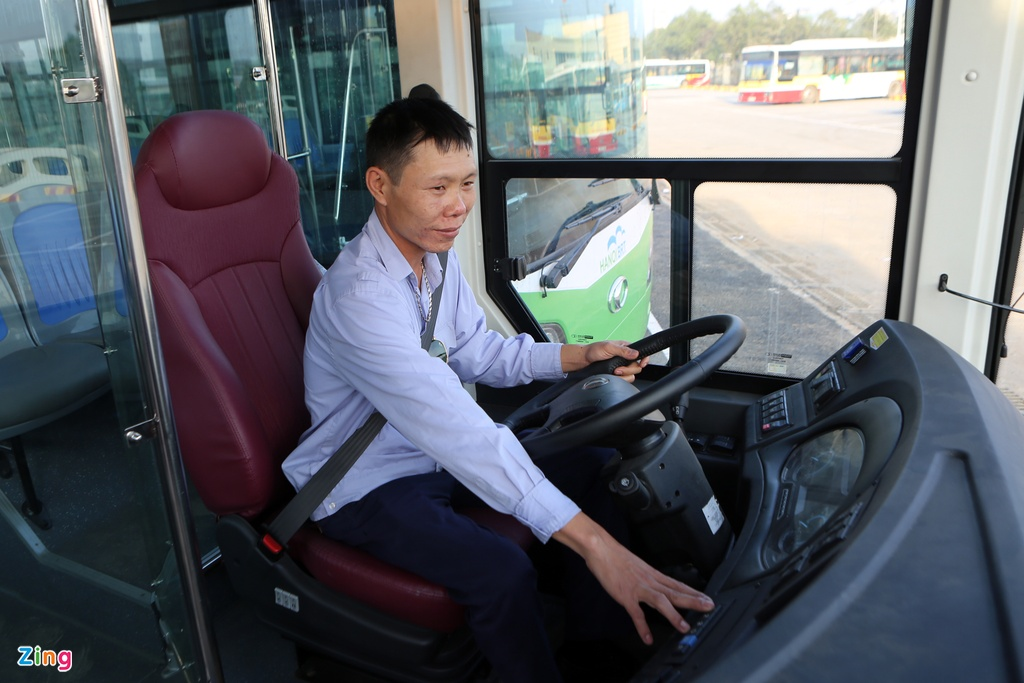 xe buyt nhanh BRT o Ha Noi anh 8
