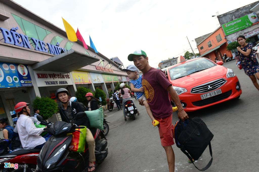 may bay xep hang cat canh tai san bay Tan Son Nhat anh 5