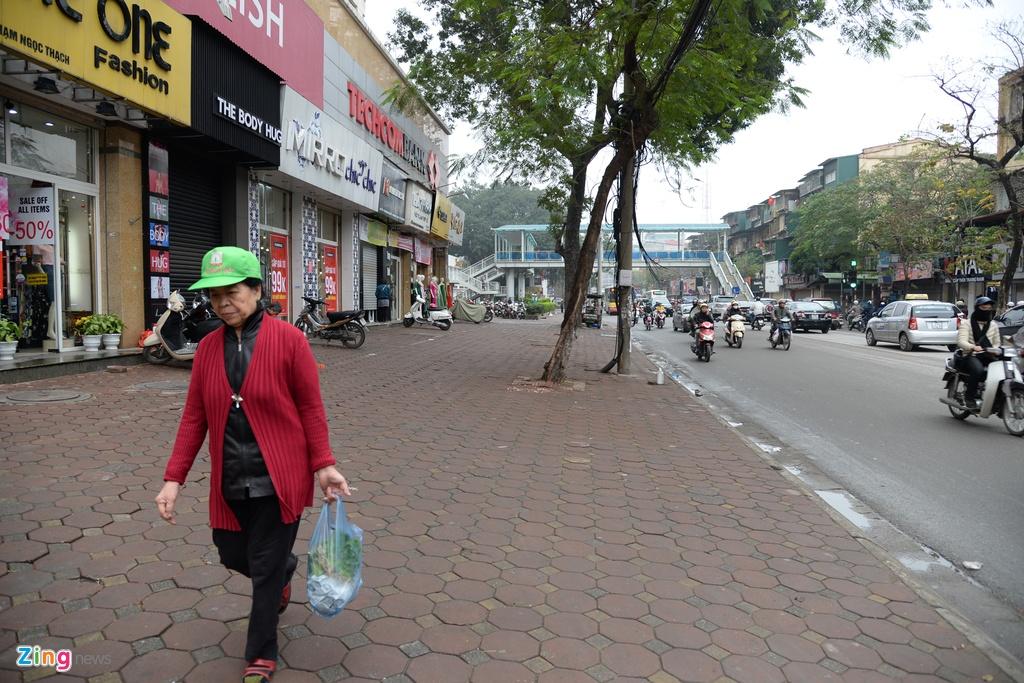Pho phuong Ha Noi khac thuong ngay dau lam dep via he hinh anh 11