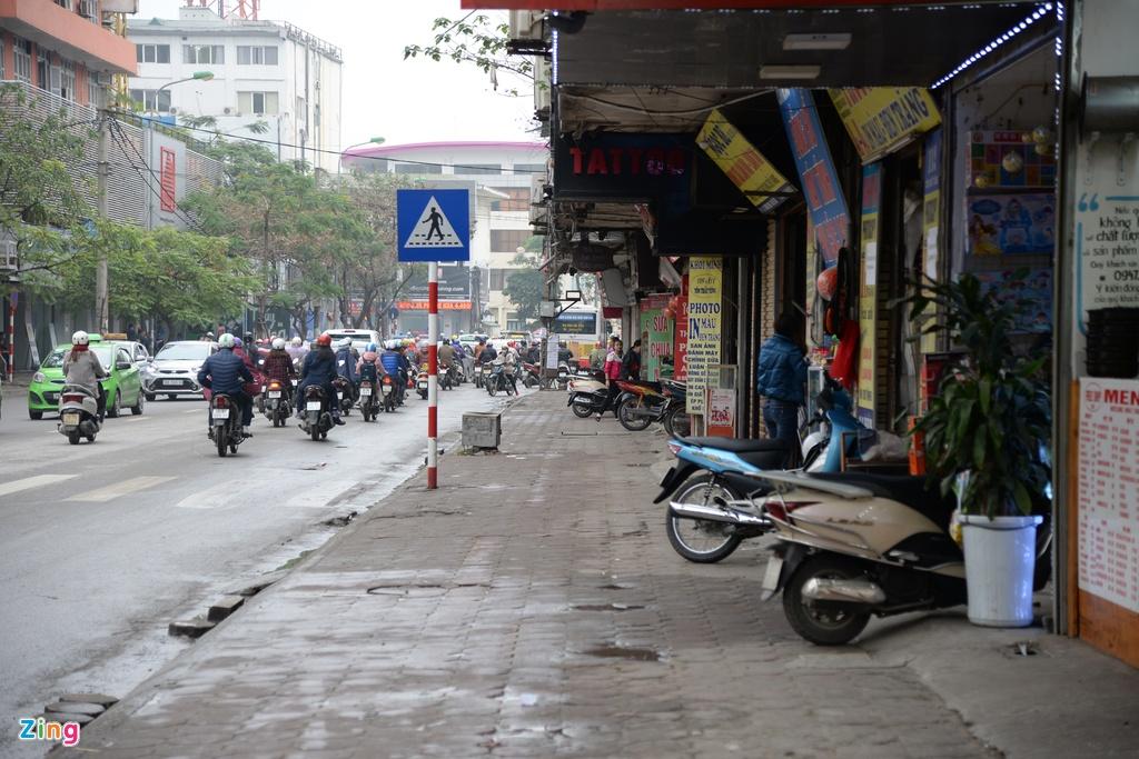 Pho phuong Ha Noi khac thuong ngay dau lam dep via he hinh anh 12