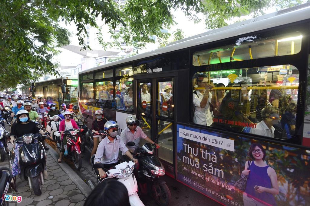 Buyt nhanh BRT sang chat cung, trua vang hoe hinh anh 14