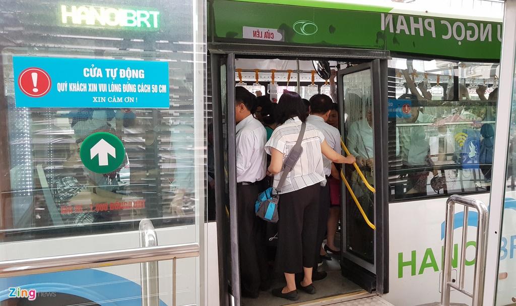 Buyt nhanh BRT sang chat cung, trua vang hoe hinh anh 5