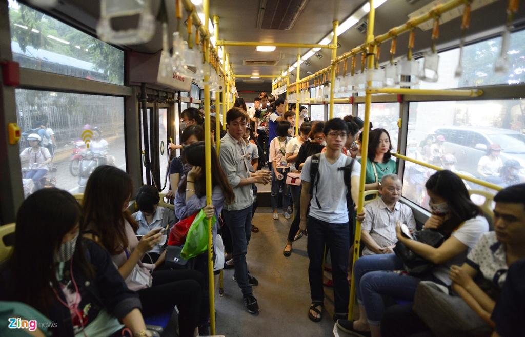 Buyt nhanh BRT sang chat cung, trua vang hoe hinh anh 13