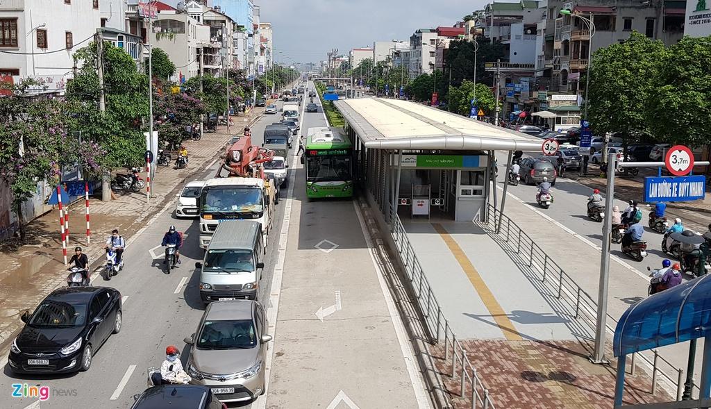 Buyt nhanh BRT sang chat cung, trua vang hoe hinh anh 1