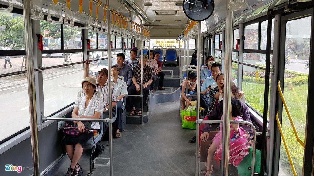 Buyt nhanh BRT sang chat cung, trua vang hoe hinh anh 10