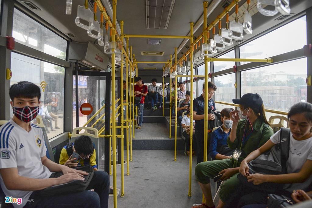 Buyt nhanh BRT sang chat cung, trua vang hoe hinh anh 11