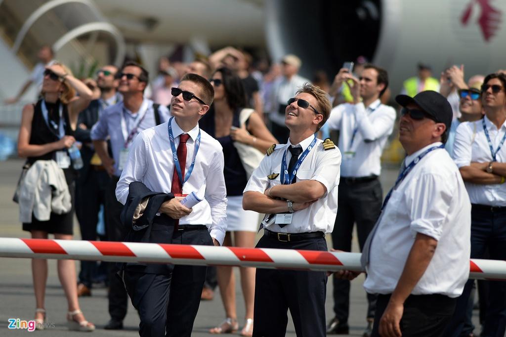 may bay nhao lon o Paris Air Show anh 1