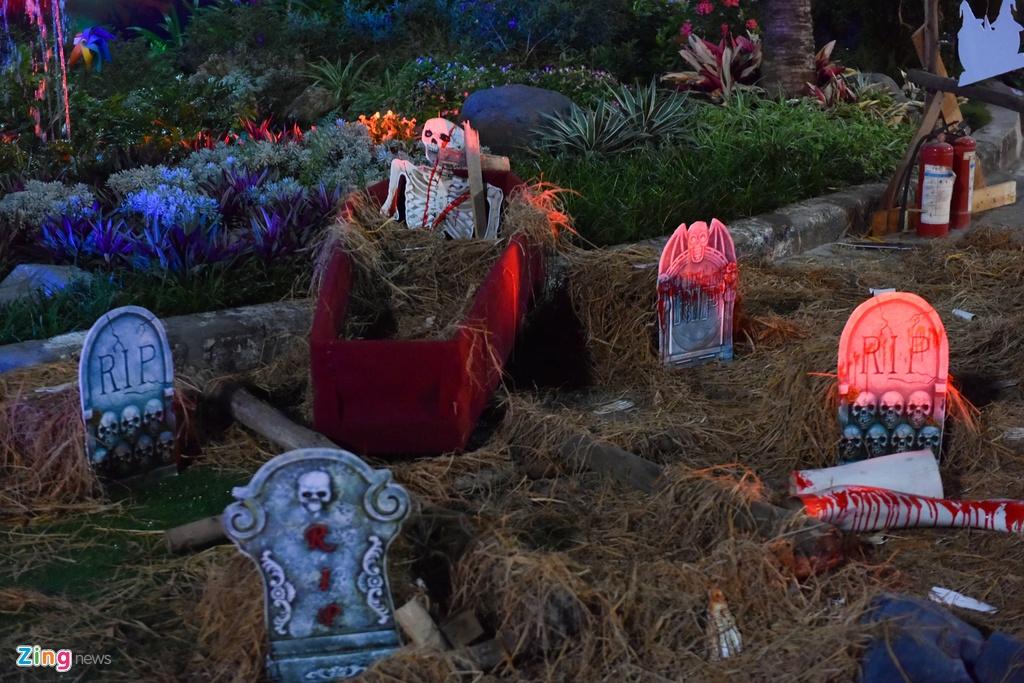 Bien nguoi don Halloween o Sai Gon, Ha Noi hinh anh 9