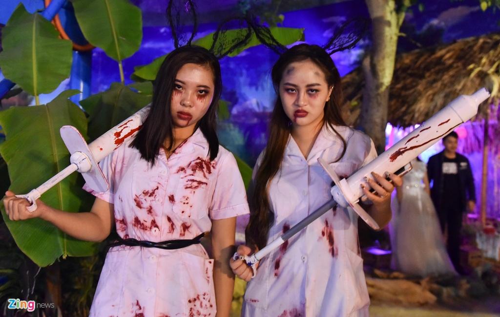 Bien nguoi don Halloween o Sai Gon, Ha Noi hinh anh 11