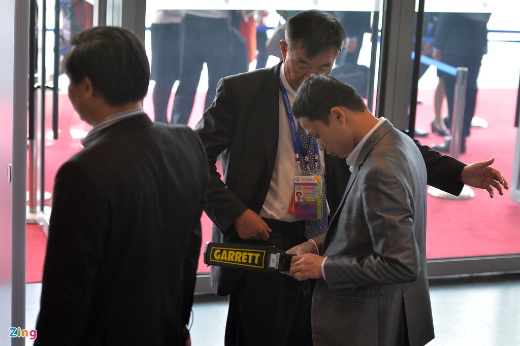 Don Trump va Tap Can Binh, an ninh that chat tai Hoi nghi CEO APEC hinh anh 4