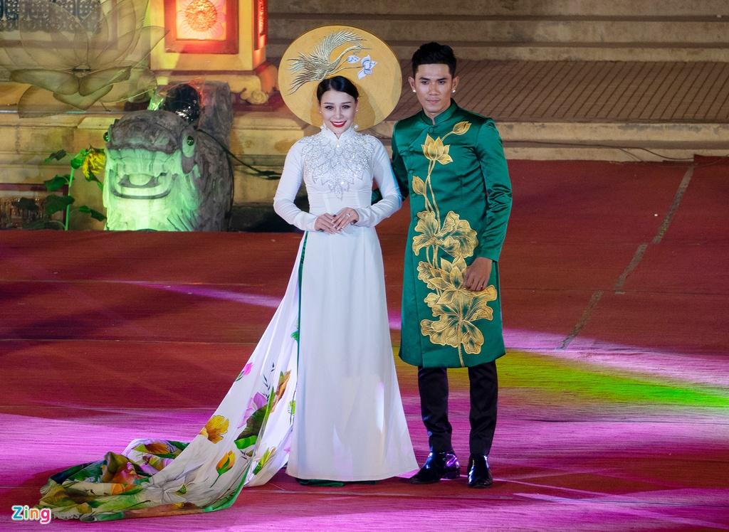 trinh dien ao dai tai Festival Hue anh 5