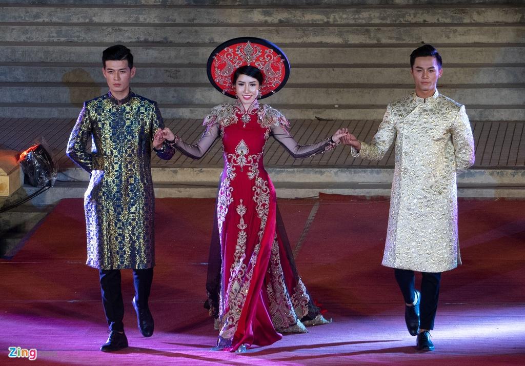 trinh dien ao dai tai Festival Hue anh 9
