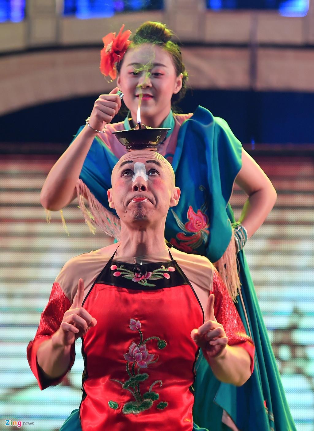 xem Xuyen kich doi mat na o Tu Xuyen Trung Quoc anh 17
