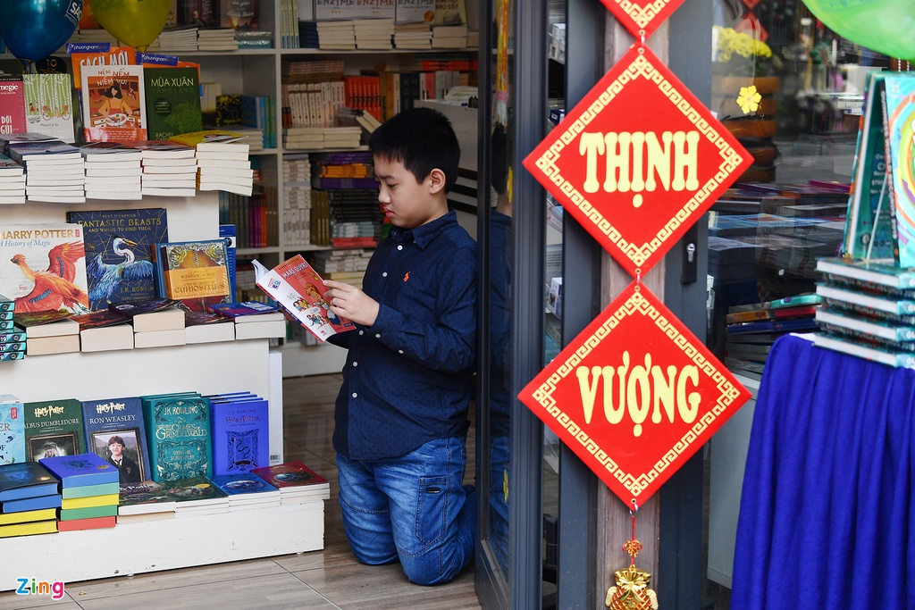Nguoi dan no nuc tham du khai mac Pho Sach Xuan Ky Hoi hinh anh 10