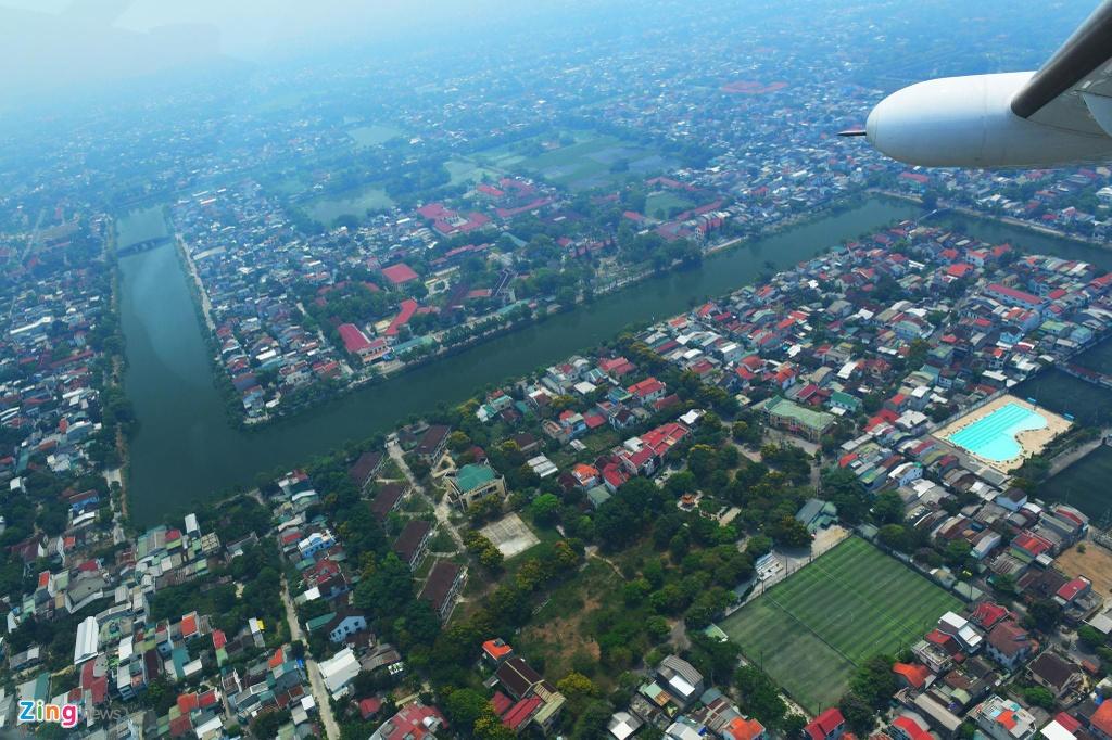 80 km tren khong cung thuy phi co tu Hue toi Da Nang hinh anh 11