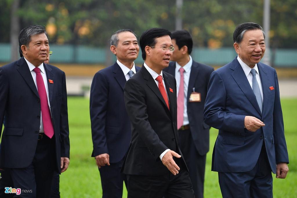 dai bieu Quoc hoi vieng lang Chu tich Ho Chi Minh anh 10
