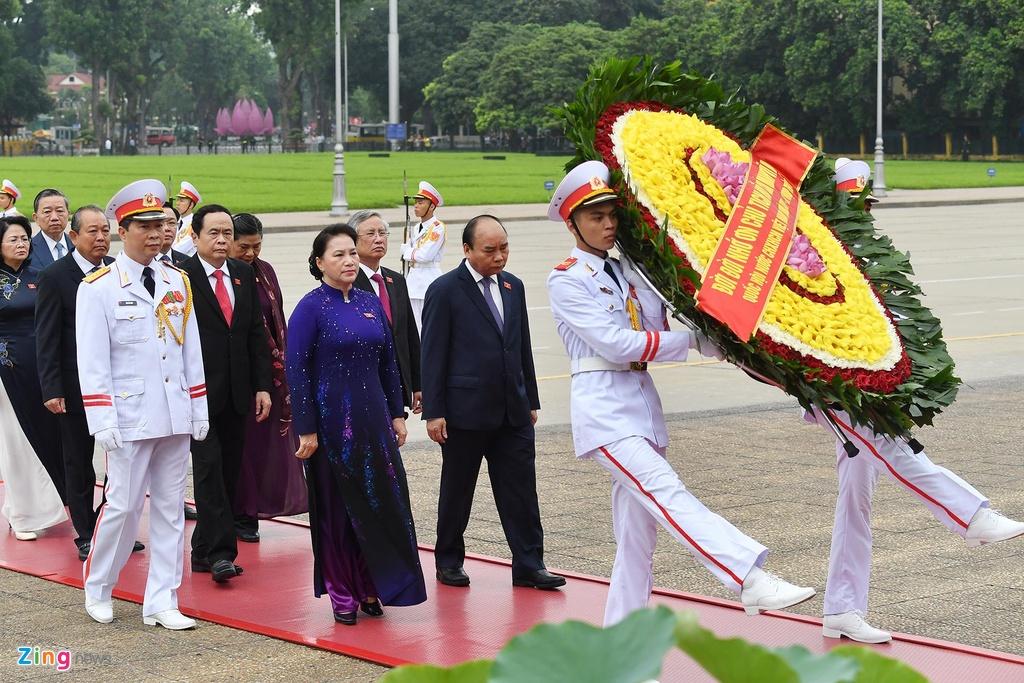 dai bieu Quoc hoi vieng lang Chu tich Ho Chi Minh anh 4